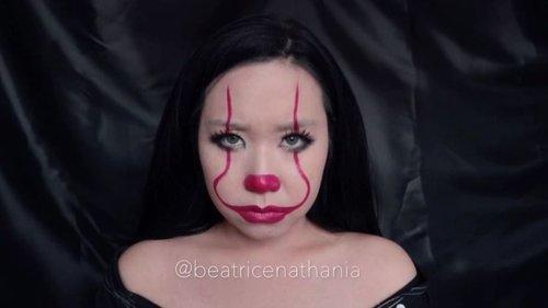 ♠️♥️♣️♦️IT PENNYWISE: THE DANCING CLOWN Easy Makeup Tutorial♠️♥️♣️♦️ . . . 💉: @artistrystudioofficial 2-in-1 lipstick in Big Apple Red . . #IT #pennywise #halloween #halloweenmakeup . . #beatricenathania #makeup #makeuplooks #beauty #sbyglamsquad #clozetteid #indobeautygram #beautybloggerindonesia @clozetteid @indobeautygram
