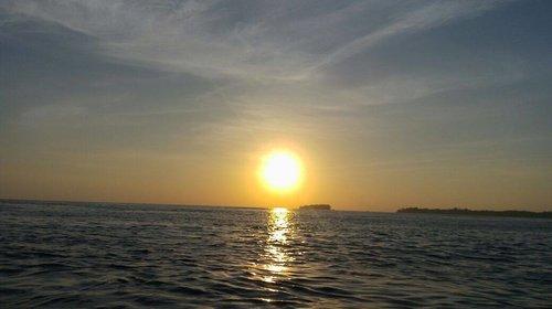 Such a beautiful sunset 😍😍... I hope I can be the part of the ocean 😚😚😚 #dontknowwhattosay #apaansih #ngawurmulu 😂😂😂 World is beautiful @melisa_w @jesica_pan 😶😶😶 📸 by the prettiest @livia_mi Thank you for sending me this beautiful scenery 😆😆😆 . . .  #scenery#sea#beautiful#indonesia#pulauseribu#pulauharapan#kepulauanseribu#lautseribu#sunset#wonderfulindonesia#pesonaindonesiabff#bestfriendforever#travel#clozette#clozetteid#lifestyle#like#like4like#instaphoto#instalike#potd#pictureoftheday#funniestling
