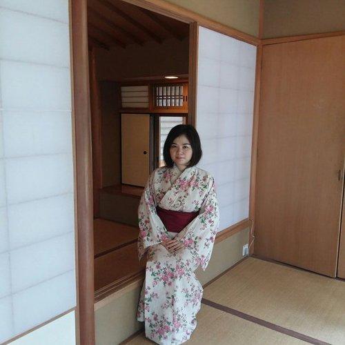 OMO!!! My friend said that I look like Japanese Girl 😂😂😂😄😅.. Do I look like Japanese Girl? 😝😜😛 . . . #clozette#clozetteid#lifestyle#travel#traveling#nellytrip#japanese#girl#kimono#like#like4like