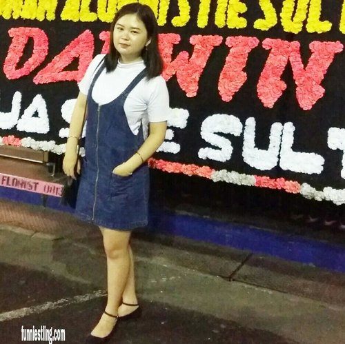 """<div class=""""photoCaption"""">Hi all... new update blog about 11 OOTD from Funniest Ling 😁😆😆... you also can find the best ootd for yourself from @zaloraid..<br /> Just swipe it 😚😊..<br /> Happy reading all.. Thank you very much..<br /> Please click the link in my bio or copy and pasti the link below for the further story 😘😍 <a href=""""http://www.funniestling.com/2017/11/11-ootd-from-funniest-ling.html?m=1"""" class=""""pink-url""""  target=""""_blank""""  rel=""""nofollow"""" title=""""http://www.funniestling.com/2017/11/11-ootd-from-funniest-ling.html?m=1"""">http://www.funniestling.com/2017/11/11-ootd-from-funniest-ling.html?m=1</a><br /> <br />  <a class=""""pink-url"""" target=""""_blank"""" href=""""http://m.clozette.co.id/search/query?term=newupdate&siteseach=Submit"""">#newupdate</a> <a class=""""pink-url"""" target=""""_blank"""" href=""""http://m.clozette.co.id/search/query?term=updateblog&siteseach=Submit"""">#updateblog</a> <a class=""""pink-url"""" target=""""_blank"""" href=""""http://m.clozette.co.id/search/query?term=ootd&siteseach=Submit"""">#ootd</a> <a class=""""pink-url"""" target=""""_blank"""" href=""""http://m.clozette.co.id/search/query?term=outfitoftheday&siteseach=Submit"""">#outfitoftheday</a> <a class=""""pink-url"""" target=""""_blank"""" href=""""http://m.clozette.co.id/search/query?term=lookbook&siteseach=Submit"""">#lookbook</a> <a class=""""pink-url"""" target=""""_blank"""" href=""""http://m.clozette.co.id/search/query?term=lookbookindonesia&siteseach=Submit"""">#lookbookindonesia</a> <a class=""""pink-url"""" target=""""_blank"""" href=""""http://m.clozette.co.id/search/query?term=fashion&siteseach=Submit"""">#fashion</a> <a class=""""pink-url"""" target=""""_blank"""" href=""""http://m.clozette.co.id/search/query?term=zalora&siteseach=Submit"""">#zalora</a> <a class=""""pink-url"""" target=""""_blank"""" href=""""http://m.clozette.co.id/search/query?term=zaloraindonesia&siteseach=Submit"""">#zaloraindonesia</a> <a class=""""pink-url"""" target=""""_blank"""" href=""""http://m.clozette.co.id/search/query?term=zaloraid&siteseach=Submit"""">#zaloraid</a> <a class=""""pink-url"""" target=""""_blank"""" href=""""http://m.clozette.co.id/search/query?term=harbo"""