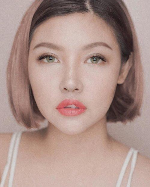 [Makeup Murmer under 250 K👆👆]...kemarin yang request review makeup murmer detail di youtube udah ada yaaah! berikut linknya atau bisa klik di bio aku 😘 👇👇👇https://youtu.be/YXQn7t3ZnuE....
