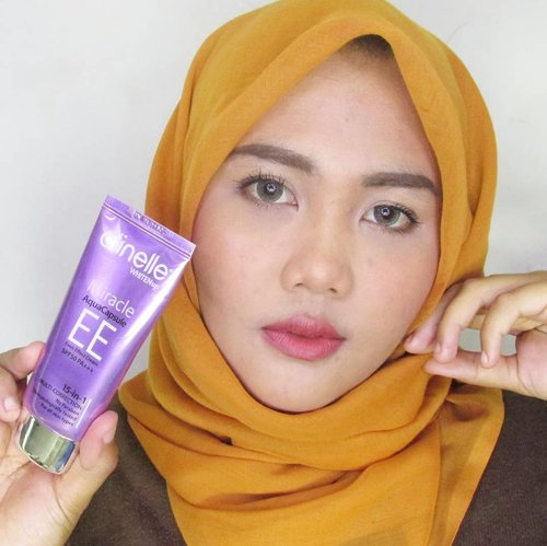 Tau gak sih pakai foundation tiap hari itu gak baik buat kulit. Sehari-hari aku biasanya pakai @clinelleid  Whiten Up EE Cream. Selain teksturnya ringan EE Cream ini sudah mengandung SPF 50PA+++ ....Reviewnya ada di www.cyanophyta.net ...Thankyou @clozetteid 😘#clozetteid #clozetteidreview #skincare #clinellexclozetteidreview #ProtectandReviveYourskin #clinelleindonesia #dayandnight #withclinelle #beautyblogger #beautybloggerid #indobeautygram