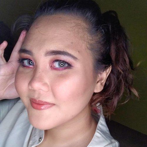 makeup lagi setelah empat bulan gak megang alat-alat makeup, buset ngeblend aja pegel banget. kaku. 😅  #makeup #dailymakeup #clozette #clozetteid