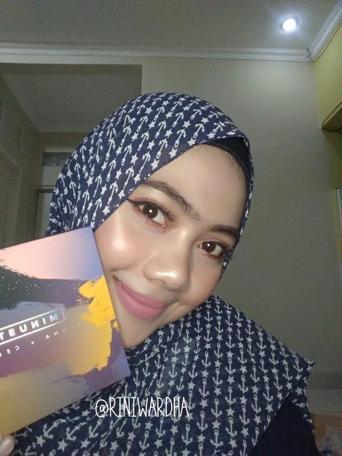 Happy Monday girls...Aku lagi suka banget nih, sama product satu ini. Yups, 5 in 1 makeup Palette by @minuet.official Kalian bisa cek review nya di blog aku ya...  https://rwardha.blogspot.com/?m=1#minuetofficial#makeuppalette#5in1makeup#CLOZETTEID#CLOZETTE #beautyblogger#beautyenthusiast #beautyinfluencer