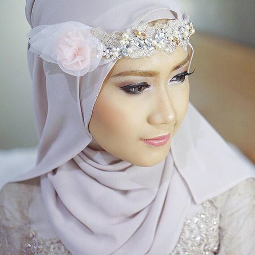 Bridesmaids 🍃🌸 #TheWedding1212ND #danununustory #ClozetteId | MUA: @di_ayu | Headpiece: @houseofjealouxy