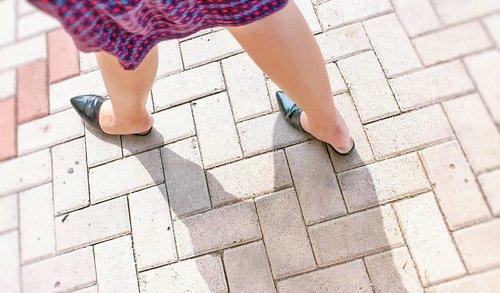 Baby steps. One step at a time. · · #fromwhereistand #ihavethisthingwithfloors #ihavethisthingwithcolor #shoes #shoe #kicks #envywear #instashoes #instakicks  #solecollector #soleonfire #nicekicks  #shoeporn #fashion #swag #instagood #photooftheday #shoegasm #kickstagram #walklikeus #peepmysneaks #oxfordshoes #mules #mulesofinstagram #muleshoes #csiriano #cristiansiriano #GAP #clozette #clozetteid