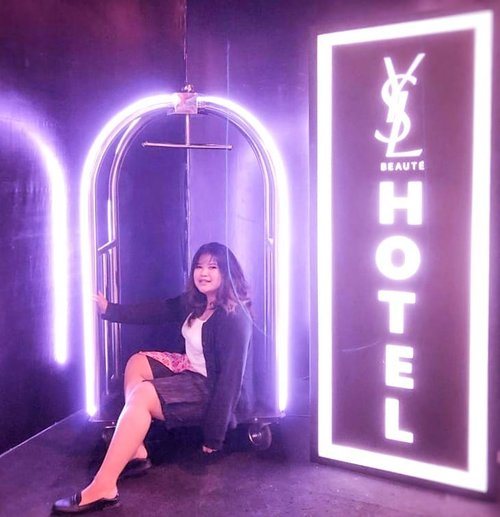 Coming soon, #YSLBEAUTYHOTELID  #YSLBEAUTYID ! Picture taken by @budiartiannisa 😆. · · #ootd #ootdindo #outfitoftheday #lookoftheday #fashion #fashiongram  #outfit #clothes #wiw #envywear #instafashion #outfitpost #fashionpost #todaysoutfit #fashiondiaries #clozetteid #beautyevent #beautyenthusiast #beautybloggerindonesia #beautyblogger #ysl #yvessaintlaurent #yslbeauty