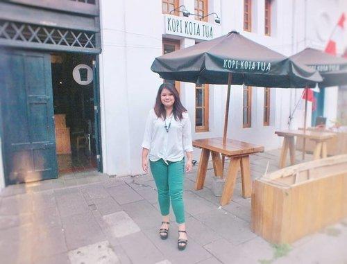 Morning coffee routine ☕ · · #fashion #ootd #style #instafashion #fashionblogger #bohemian #boho #bohemianstyle #streetstyle #beautyblogger  #womensfashion  #whatiwore #foodblogger  #wiwt #fashionweek #fashionstyle #styleblog #ootdindo # #outfitoftheday #Clozetteid #aztecprint #ethnicwear  #TasyaPlacesRecommendation