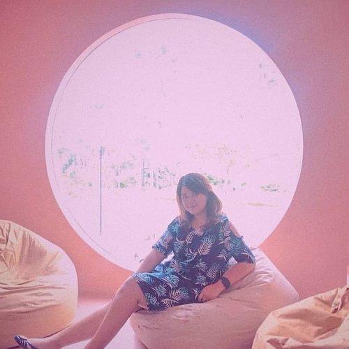 #tbt #throwbackphoto #throwbackwednesday #throwbackpic #throwback #pink #pinktones #pinkhue #pinkcafe #ferragamo #ferragamojellyshoes #tropical #tropicalvibe #gelato #artisangelato #pinkcafe #firenzegelateria #ootd #ootdindo #ootdfashion #ootdfash #ootn #ootds #ootdmagazine #ootdindonesia #outfitoftheday #clozette #clozetteid #clozetters  #styleaddict  #styleguide