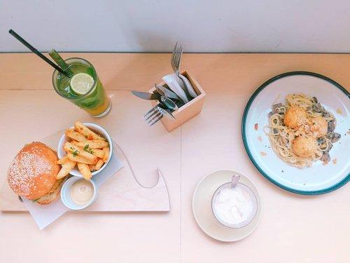 Super delish creamy mushroom pasta 😍 · · #goodeats #igfood #foodstagram #foodbloggers #nomnom #eatfamous #foodblog #eats #foodgasmde #foodphotography #foodpics #foodlove #foodporno #foodcoma #foodgram #hungry #foodstagram #eatright #snack #f52grams  #Clozetteid