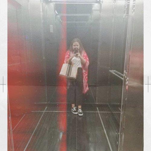 Sporty meets traditional feminine @batikshio #throwback  #vans #ootd #ootdindo #ootdfashion #outfitoftheday #vansoldskool #Clozetteid #theshonet #theshonetinsiders #fashiongram #fashiondiaries #ootd #wiwt #batikmodern #batikindonesia #batikindonesiamodern