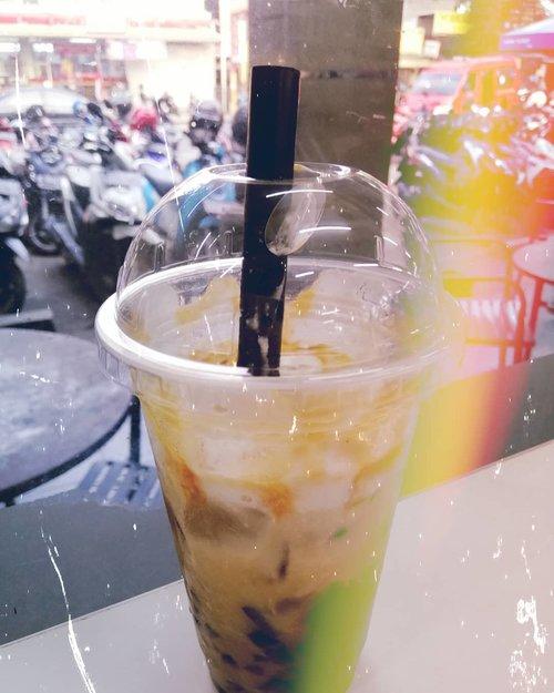 Coffee + Jelly #Clozetteid #coffee #coffeeholic #kopisusu #coffeetable #lightstreaks #goldenhour  #masfotokopi #mbakfotokopi  #caffeine #caffeinated #caffeineandoctane #coffee #tasyaeats #tasyaforzomato #Zomato #Zomatoid