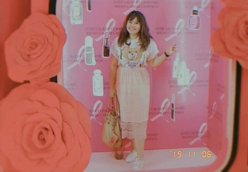 My #ootd at Pink Pop Up Market Event, disalah satu instagrammable spot by @haluuworld #timetoendbreastcancer #clozetteid