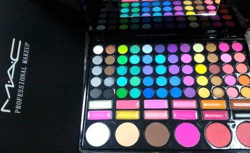 #mac #profesionalmakeup #lazada #lazadaid #clozetteid #clozettedaily #makeuppallete #colourfull #likeforlike #maccosmetics