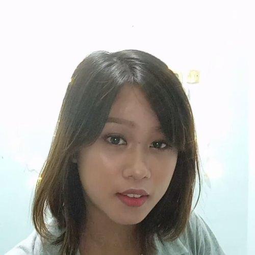 Natural Flawless Finish Look ! . . Makeup tutorialnya besok ya gengs karena td pas filming cuma sampe eyebrow doang :( . . #itsanatte #indobeautygram #ivgbeauty  #beautyvlogger #bloggermafia #clozetteid #beautynesiamember #beautynesiaid #valentinemakeup #makeup #flawless #flawlessskin #naturalmakeup