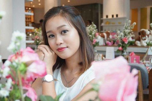 "Happy Saturday everyone🌸  Using my favorite lashes from @lavielash in ""Rosie"" . . 📷 by @claranovk12 💕 . .  #lavielash #eyelashes #sephoraidnbeautyinfluencer #beautyinfluencer  #beautynesiamember #beautynesia #itsanatte #beautyblogger #beautyvlogger #clozetteid #clozette"