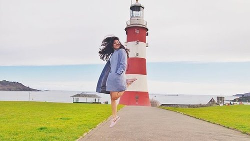 Those who don't jump will never fly.... #unitedkingdom #plymouth #smeatonstower #unitedkingdom #clozetteid