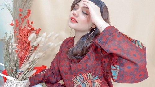 Lately aku lagi sering banget pakai batik karena lebih terlihat rapi dan profesional apalagi saat bekerja dan seneng banget kemarin dikirimkan @batikkammi dan @clozetteid . Pas ku  pakai ternyata bisa juga loh buat acara yang casual dan semi formal tinggal mix and match nya hihihi. Buat lebih jelasnya bisa baca di blog aku ya  #BatikKammi #batikkammixclozettereview #ClozetteID #clozetteidreview #fashionblogger #blogger