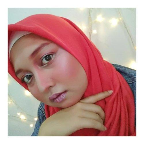 Magenta with lil bit silver makeup look! Make Up Collaboration wiff @indomakeup_squad. .@indomakeup_squad #indomakeupsquad #kaycadandan .. ------------------------------------------ #beautybloggerindonesia #makeuplook #makeup #makeupindo #makeupindonesia #look #beautylook #beautynesia #indobeauty #indobeautygram #Indonesia  #clozette #clozetteID #fdbeauty #beautygram