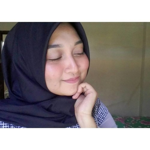 No Foundation Day!  Tau dong Kalimantan panasnya kek aposeh? Jadi pas jalan-jalan wisata ke beberapa lokesyen di sana, ai ga fondesyenan becos ai takut mukenye meleleh wk.  #nofoundation #makeuplook #look #beauty #beautylook #instabeauty #instagram #beautystory #indonesia #beautygram #indobeautygram #clozetteID