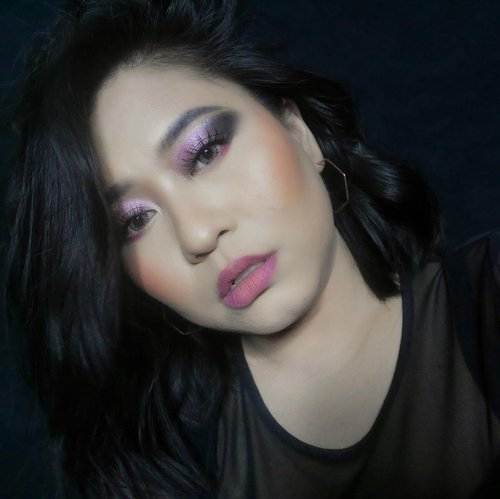 Dude, what you lookin' at? 👀👀Brows : @riveracosmetics Bold Intense Eyebrow Matic, 02 GrayEyeshadow : @focallurebeauty @focallurebeautyid Your Favors 18 Eyeshadow Palette, 01 Bright LuxLashes : @loreca.lashes Glam RoseSoftlens : @x2softlensofficial •••#clozetteid #Riverans #RiveraCosmetics #FridayFocallureid #Focallurebeautyid #Focallure #Focallurebeauty #x2softlens #WearLoreca #LorecaBabes #makeuplooks #makeuplovers #indobeautyblogger #beautiesquad