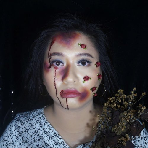If you ain't ready for the pain, then don't seek the pleasure. Roses come with thorns and thorns draw BLOOD.- unknown Hell yeah, it's October!⚠️ FAKE BLOOD & FAKE BRUISES ⚠️•••#ClozetteID #SOCObeautyNetwork #IndoBeautyGram #halloween #halloweenmakeup #sfx #sfxmakeup #bruise