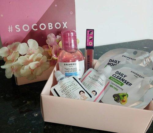 "Yay! I got my #socobox from @sociolla @beautyjournal ! 💖 Dan isi nya product"" dari @brunbrun_paris untuk jenis kulit normal! Ga sabar buat nyobain produk"" ini! ☺  Oh iya, buat kalian yang mau dapetin #socobox seperti aku, jangan lupa login di www.soco.id ya.. kalian tinggal isi data diri kalian dan jenis kulit kalian disana! Siapa tau kalian yang beruntung buat dapetin #socobox berikutnya! 💖💖 . #sociolla #sociollaID #SociollaBloggerNetwork  #brunbrunparis"