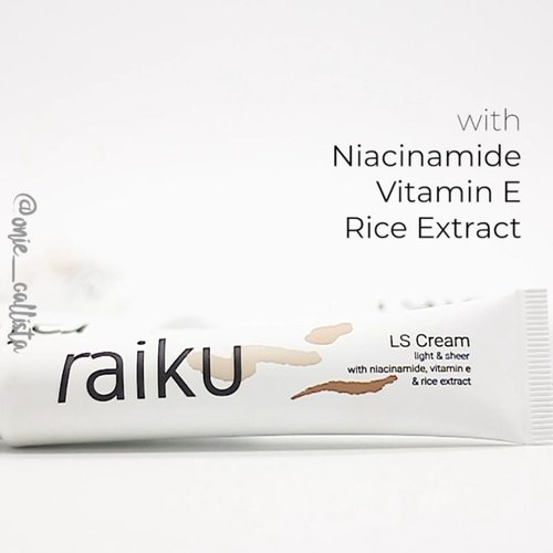 Wuhuu! Udah pada tau @raikubeauty baru aja ngeluarin produk baru? 💕  Raiku LS Cream (Light & Sheer Cream) merupakan primer yang diformulasikan untuk semua jenis kulit, mempunyai formula yang ringan dan tidak menyumbat pori - pori. Memberikan efek cerah dan glowing.  Mengandung Niacinamide, Vitamin E, dan Rice Extract yang dapat melembabkan dan mencerahkan kulit kalian!  Aku sendiri udah pakai produk ini, kulit langsung cerah seketika! Tapi primer satu ini tidak menutup pori - pori.. Teksturnya juga ringan, sedikit oily saat baru di aplikasikan, tapi setelah menyerap ke kulit, aku berasa jadi lumayan matte! ❤️ - #raiku #RaikuBeauty #RaikuLSCream #RaikuPrimer