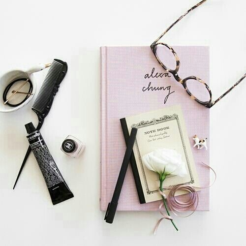currently read Alexa Chung  #ClozetteID #book #bookish #glasses #fashion #makeup