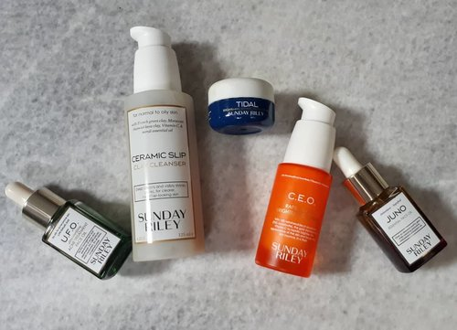 My  #skincarecollection of @sundayriley. These 5 are sooo damn good for oily acne prone skin. They treat acne gently and post acne well. I've got my second bottle CEO serum and finished tidal cream also run out the UFO oil.  #skincareaddicted  #beautygram #instabeauty #asianbeauty  #ribbonskincarereview #koreanskincare #beautybloggerindonesia #indobeautygram #indobeautysquad #beautynesia #ClozetteID #bloggermafia #skincareaddicted #skincarehaul #skincarereview #ribbonskincarereview #skincareobsessed #skincarejunkie #skincarediary #skincarecommunity