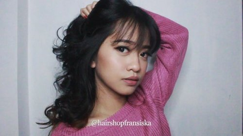 Short tutorial using Mini Hair Curler from @hairshopfransiska So easy to curl my hair~ ❤❤❤ . #hairshopfransiska #hair #hairtutorial #hairvideo #howtucurl #beauty #clozetteid