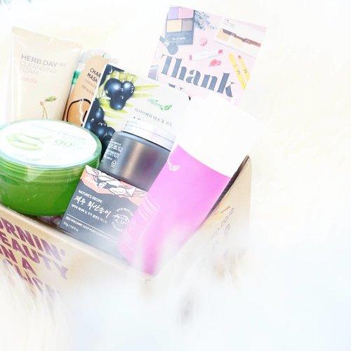 Get Ready, @hermoid Beauty Box will be up on my blog, soon.💕#clozetteid #clozetteidreview #hermoreview #hermoxclozetteidreview