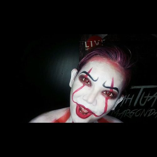 But if you come with me, you'll float too 🎈🎈🎈 Full Tutorial: youtube.com/JudithCholya17 . . . . . . . . . . @itmovieofficial @wakeupandmakeup @100daysofmakeupchallenge @featuremuas @underratedmuas @undiscovered_muas @the.horror.hub @5fingersfeatures @amazingmakeupart @undertheradar_makeup #BeautyGuru #BeautyGuruID #BeautyVlogger #BeautyVloggerID #ClozetteID #Beautiesquad #bvloggerid #beautynesiamember #muajakarta #indobeautygram #instabeauty #beautyinfluencer  #indovidgram #indobeautyvlogger #bunnyneedsmakeup #ivgbeauty #pennywise #pennywisetheclown #pennywisemakeup #it #itmovie #itmovie2017 #sfx #sfxmakeup #halloween #halloweenmakeup #100daysofmakeupchallenge #featuremuas #undiscovered_muas #billskarsgard