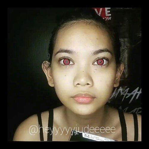 Before-After IT Pennywise Makeup 🎃 Tutorial will be uploaded soon!  Belum kelar ngedit haha . . . . . @aeonstore_id @maxfactorindonesia @aro_kopa @bycleoputri @pchrisandy #aeonxmaxfactor #BeautyGuru #BeautyGuruID #BeautyVlogger #BeautyVloggerID #ClozetteID #Beautiesquad #bvloggerid #beautynesiamember #muajakarta #indobeautygram #instabeauty #beautyinfluencer  #indovidgram #indobeautyvlogger #bunnyneedsmakeup #ivgbeauty #halloween #halloweenmakeup #it #itmovie #itmovie2017 #pennywise #pennywisetheclown #pennywisemakeup #clownmakeup #sfx #sfxmakeup #facepaint #beforeandafter