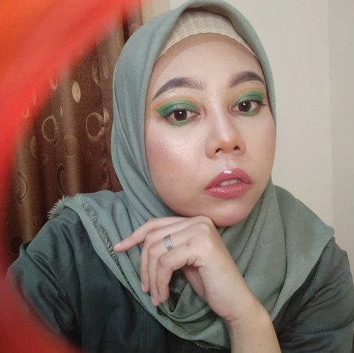 🍵 (bingung caption) . . .  #ClozetteID #clozetteid #kbbvfeatured #kbbvmember #beautygoersid #beautiesquad #beautyblogger #beautybloggerindonesia #beautycreator #makeup #makeuptutorial #makeupideas #JakartaBeautyBloggerReview #jakartabeautyblogger