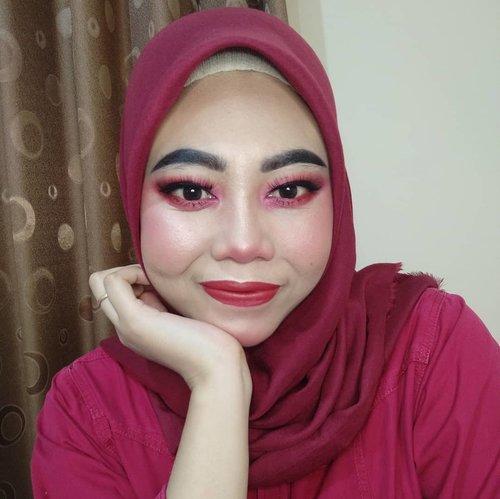 Sudah mengendap seminggu di galeri 🌹. . #ClozetteID #clozette #titahsanjana #maybelline #maybellineindonesia #loreal #lorealindonesia #imagic #purbasari #purbasariindonesia #focallure #focallureindonesia #beautygoersid #beautynesiablog #beautyblogger #beautybloggerindonesia #beauty #beautybloggers #beautyinfluencer #jbbfeatured #kbbvfeatured #boldmakeup #mineralbotanica #kbbvmember #setterspace #jakartabeautyblogger #beautiesquad #tutorialmakeup #indobeautygram #indobeautysquad