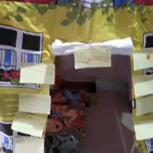 • Gavin's activity 🔛 main tenda-tendaan  Intinya: AKU MARAH 😂  Main tenda-tendaan gini bisa improv macem-macem untuk dipelajarin, dari mulai waktu bangun pagi dan waktu tidur, bagaimana cara masuk rumah yang baik, apa saja yang kita gunakan sehari2 dan masih banyak lagi, pokonya banyak ide untuk menstimulasi anak 😇  Ide laboratorium ini juga dari Gavin sendiri. Kalo ga punya mainan tenda bisa pake selimut sama bangku2, dulu juga suka buatin gitu untuk Gavin 🏕🌞💗 Klo tenda ini beli di blibli, kebetulan krn dapet voucher 😇  #kidactivities #idebermain #playing #ayobermain #parenting #belajarsambilbermain #idekegiatanliburan #learningtroughplay #clozetteID #stimulasianak