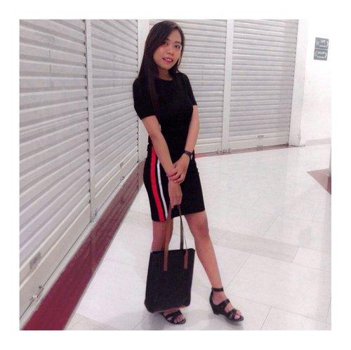 🖤 • TGIF •  #clozetteid #ootd #ootdfashion #ootdsolo #lookbookindonesia #beautygoersootd #beautygoersid