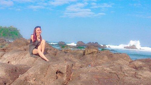 • h a p p y •#clozetteid #beach #happy