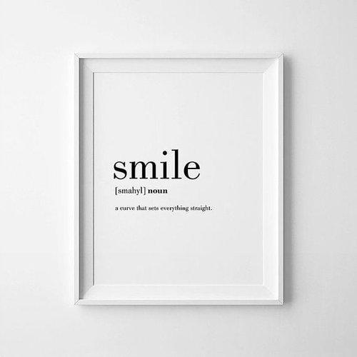 Tidak perlu muluk, membuat orang lain tersenyum adalah tanda bahwa kamu sudah mengekspresikan kebaikan. Terkadang, banyak orang yang tidak sadar bahwa dirinya itu alasan orang lain merasa sedih. Jangan sampai kamu merasa seperti itu.#quotestoliveby #clozetteID #smile#tersenyumlah
