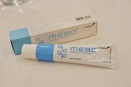 Atasi luka bakar dan bekasnya dengan Mebo & Mederma Gengs, sekarang udah tau dong kalau masalah luka bakar itu bukan pake pasta gigi atau mentega? Tapi cus turunkan suhu nya dan langsung pakaikan salep Mebo Combiphar , nah untuk bekas lukanya jangan lupa pudarkan dengan Mederma Combiphar . Baca lengkap cerita saya yaa di https://www.tianlustiana.com/2019/12/Aksi-nyata-untuk-luka-bakar.html @mebocombiphar @medermacombiphar#MeboMedermaWomensCommunityBandung #MeboCombiphar #MedermaCombiphar #Combiphar#instastoriesideas #instagramlike #Instagram #instagood #ClozetteID #Combipharindonesia