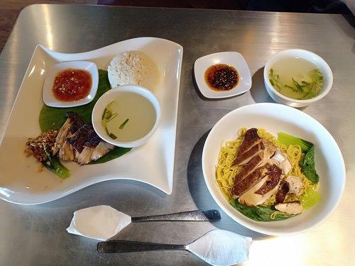 nasi Hainan dan Mie ayam