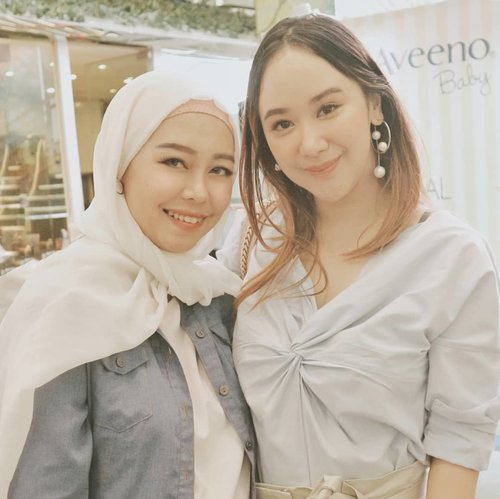 Still on yesterday event with these lovely lady @puchh Nice to meet you kak 💕#clozetteid #aveenobaby #aveenoxmothercare #photo #photos #pic #pics #socialsteeze #picture #pictures #snapshot #art #beautiful #instagood #picoftheday #photooftheday #color #all_shots