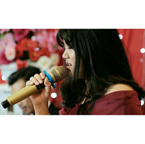 When it comes with music, my life feel so differently changed 🎤🎤 . . . 📷 by @dhekamardanus