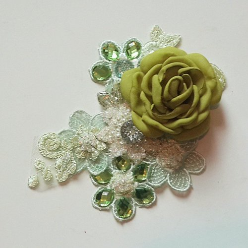 Sweet green lace dengan blooming rose.  READY STOCK 1 PC ONLY (NO REMAKE) #bross  #hiasan rambut #hairfasinators #hairaccessory #green #newcr8tion #aksesorisrambutpesta #aksesorisrambut #brooch #customorder #clozetteid