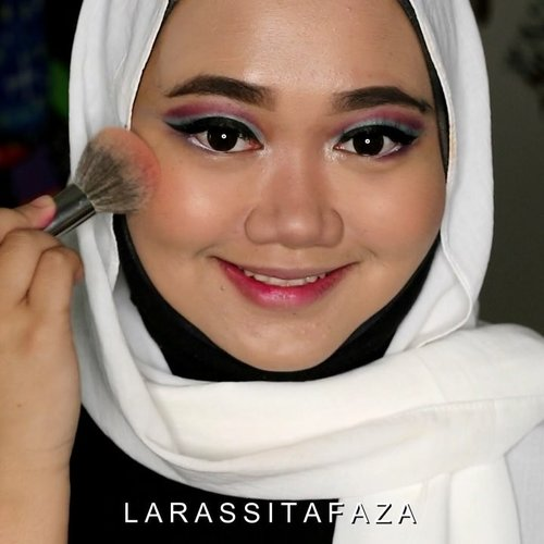Cut crease☺️Makeup deets:- @maxfactorindonesia Miracle Touch Foundation- @maybelline Instant Age Rewind - @blpbeauty Face Powder- @nyxcosmetics_indonesia 3 steps to Sculpt- @beautycreations.cosmetics Eyeshadow Palette - Elsa- NYX that's The Point Eyeliner- NYX Jumbo Eye Pencil (White)- @cliniqueindonesia Cheek Pop (Ginger Pop)- @gobancosmetics Highlighter (Moon Shadow)- Goban Cosmetic Melted Matte Lip (Teddy Brown)- @fentybeauty Gloss Bomb Universal Lip Luminizer......#indobeautygram @indobeautygram #ClozetteID #tampilcantik @tampilcantik #indovidgram #ivgbeauty