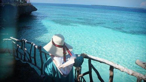 🌊💙🌊💙🌊 #birabeach #tanjungbira #bulukumbakeren #pantaitanjungbira #clozetteid #socialmediaqueen #stylediary #beach #indonesiabagus #andiyaniachmad #bulukumbahits #hijabtraveler #travelwithstyle