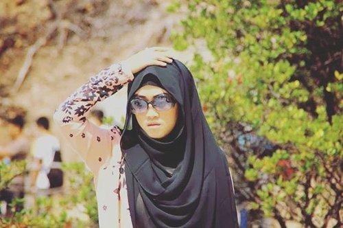No caption ✌  #clozettehijab #clozetteid #hijabstyle #hijabfashion #hijabi #stylediary #mommyblogger #socialmediamom #milkteabunda