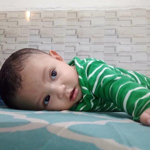 When baby Kai 6months old 😁  bibirnya gak tahan ya 😆 #babyboy #babycute #babykai #clozetteid #baby