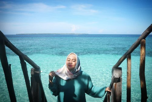 """""""The two most important days in your life are the day you are born and the day you find out why."""" Mark Twain#clozetteid #life #quotes #love #style #passion #birabeach #bulukumba #hijabi #socialmediaqueen #quotesaboutlife #wordporn"""